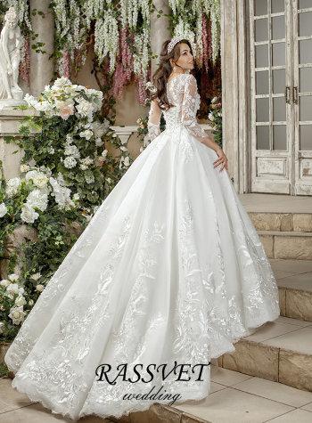 8b7823b14b4 Классические свадебные платья для зимы