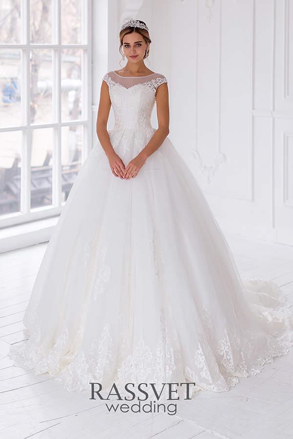 5ab323f3e Свадебное платье из кружева – это тренд предстоящего свадебного ...